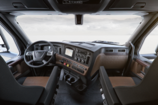 Cascadia Elite Interior Cockpit Package shown in Saddle Tan and Black