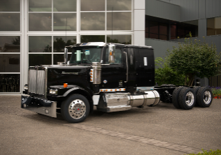 Detroit DD13 Engine Now Available in Select Western Star Car Haulers